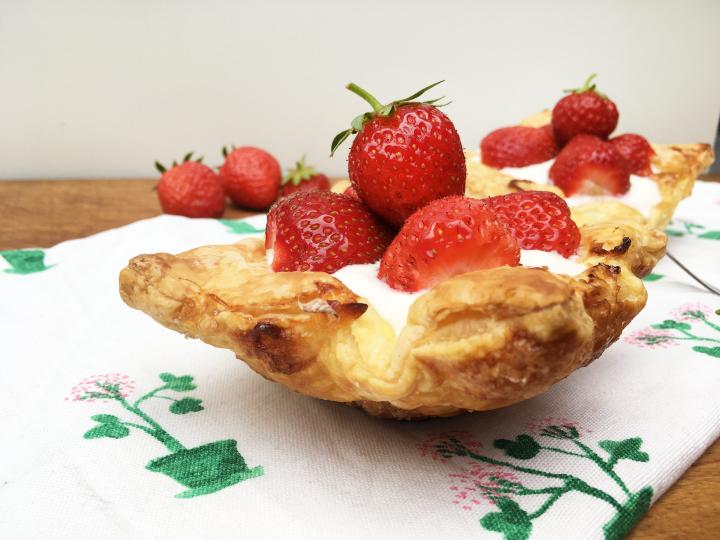 Aardbeienschelpjes met yoghurt- en puddingvulling