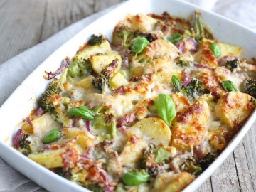 Broccoli en Aardappel Ovenschotel met Zure Room